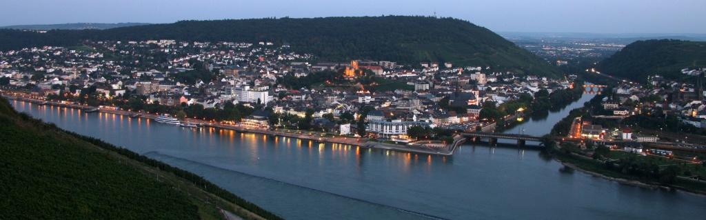 Bingen von der anderen Rheinseite aus gesehen - Bingen view from the otherside of the river